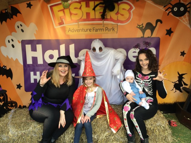 Fishers Farm Park Halloween Happy Hauntings photo booth